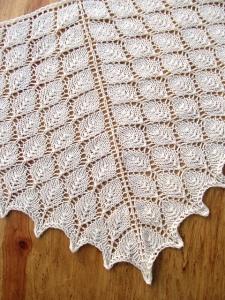 Leaf shawl evelyn a. clark IMG_0128_medium2